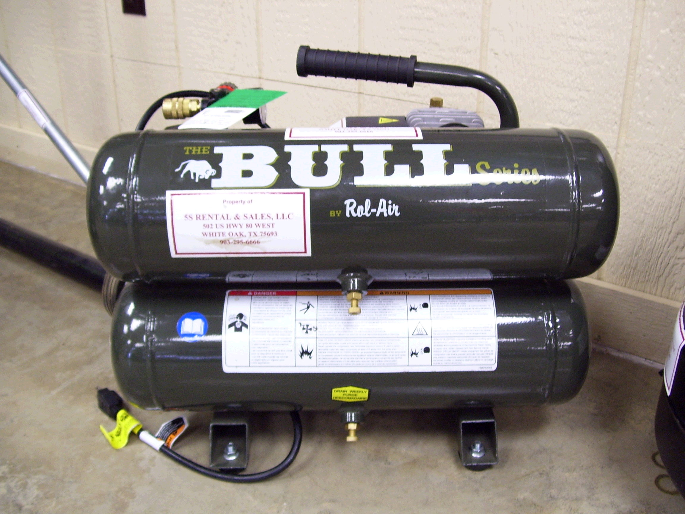 Where to find COMPRESSOR,4 GAL THE BULL in White Oak